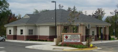 Pet Friendly Four Paws Animal Hospital & Wellness Center