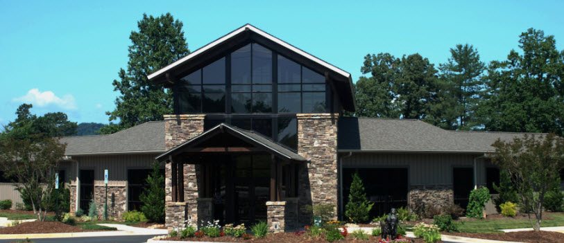 Pet Friendly Western Carolina Regional Animal Hospital & Veterinary Emergency Hospital